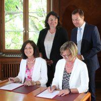 Unterzeichnung der BKV-Verträge