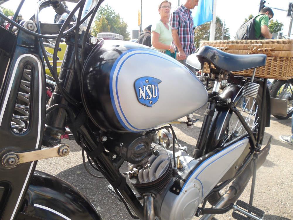 Alte Mopeds Und Motorräder Treffen Sich In Steinbach 992018