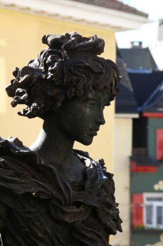 Skulptur am Rathaus