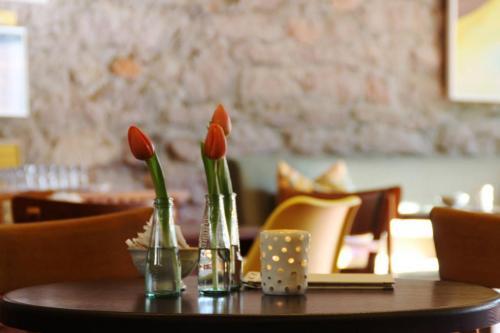 Tisch im Café Lumen